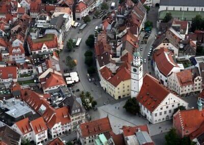 Innenstadt mit Blaserturm und Marienplatz